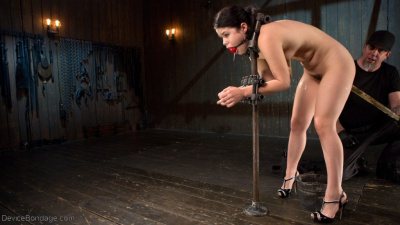 Teen Wird Fixiert In Bdsm Session (11)