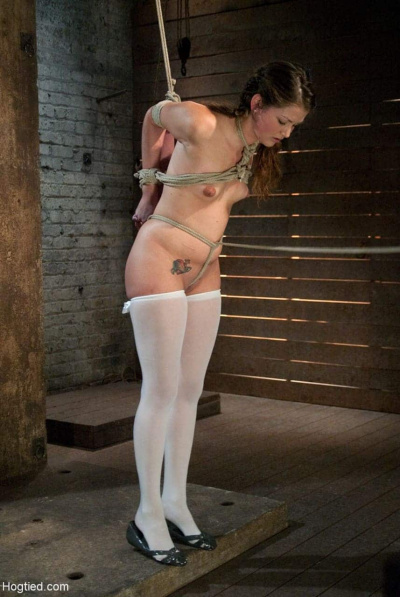 Teen Allie Haze Wird In Bondage Session Fixiert (8)